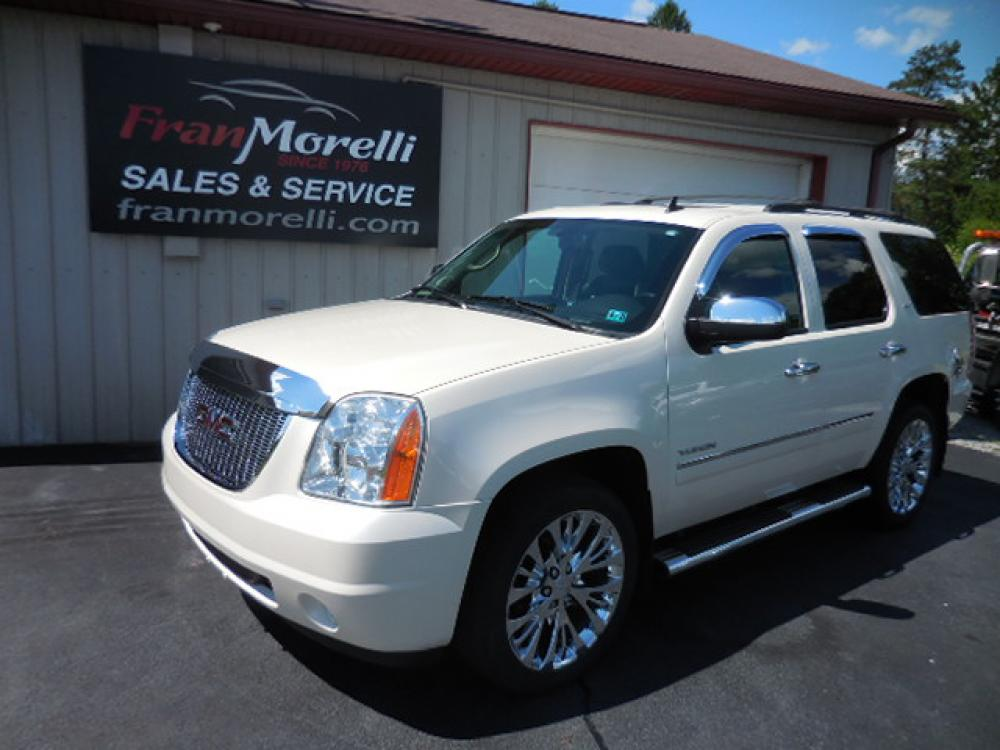 2013 White GMC Yukon SLT 4WD (1GKS2CE05DR) with an 5.3L V8 OHV 16V FFV engine, 6-Speed Automatic transmission, located at 8464 Route 219, Brockway, PA, 15824, (814) 265-1330, 41.226871, -78.780518 - Photo #0