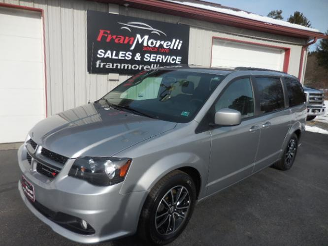 2018 Gray Dodge Grand Caravan GT (2C4RDGEGXJR) with an 3.6L V6 DOHC 24V engine, 6A transmission, located at 8464 Route 219, Brockway, PA, 15824, (814) 265-1330, 41.226871, -78.780518 - Photo #0