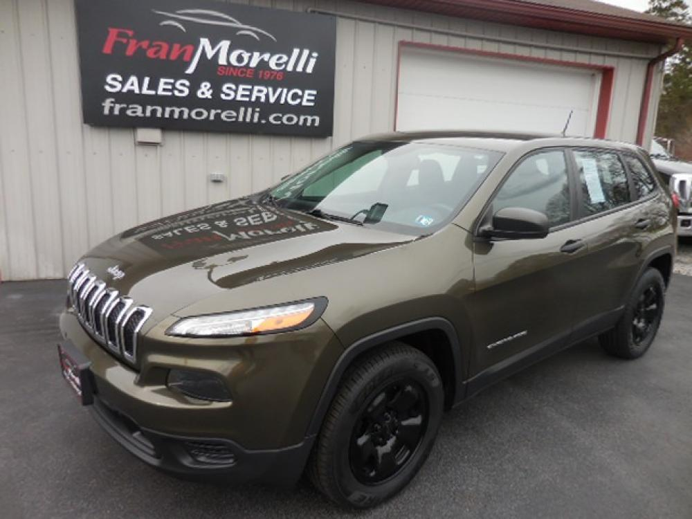 2015 Jeep Cherokee Sport 4WD (1C4PJMAB6FW) with an 2.4L L4 DOHC 16V engine, 9-Speed Automatic transmission, located at 8464 Route 219, Brockway, PA, 15824, (814) 265-1330, 41.226871, -78.780518 - Photo #0